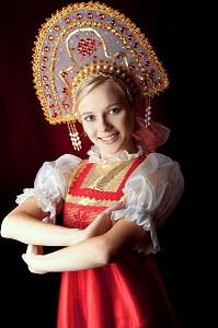 les accessoires de la tenue traditionnelle des femmes russe